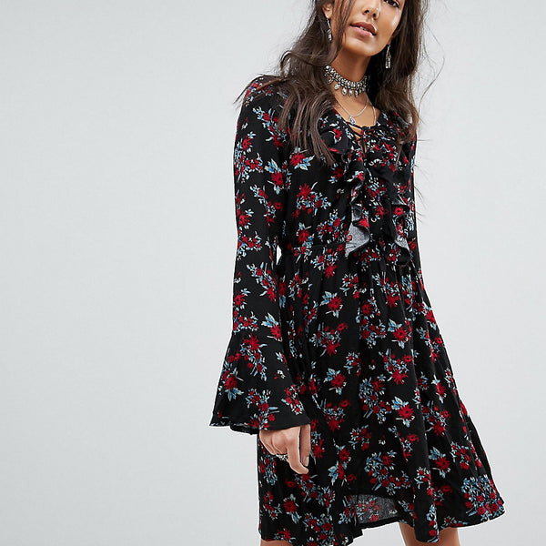 Kiss The Sky Tall Tea Dress In Vintage Rose Print With Ruffle Trim - Black multi