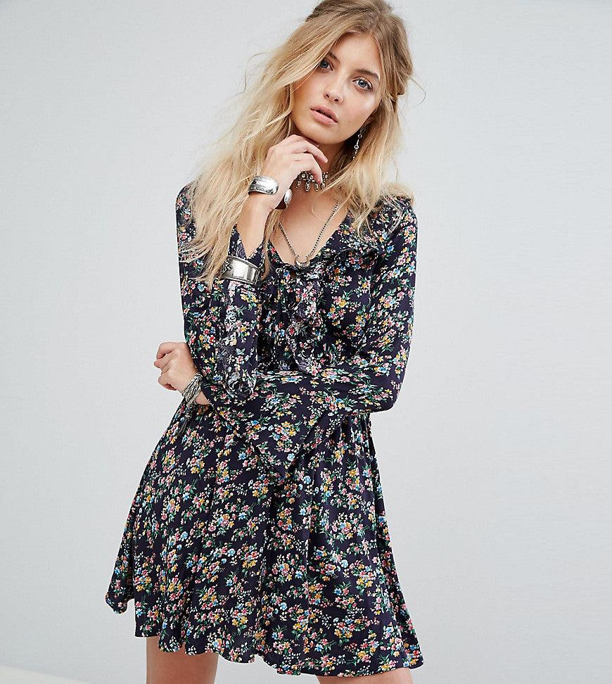 Kiss The Sky Tea Dress In Vintage Floral With Ruffle Trim - Black multi