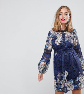 Little Mistress petite all over lace skater dress in navy floral print - Navy multi