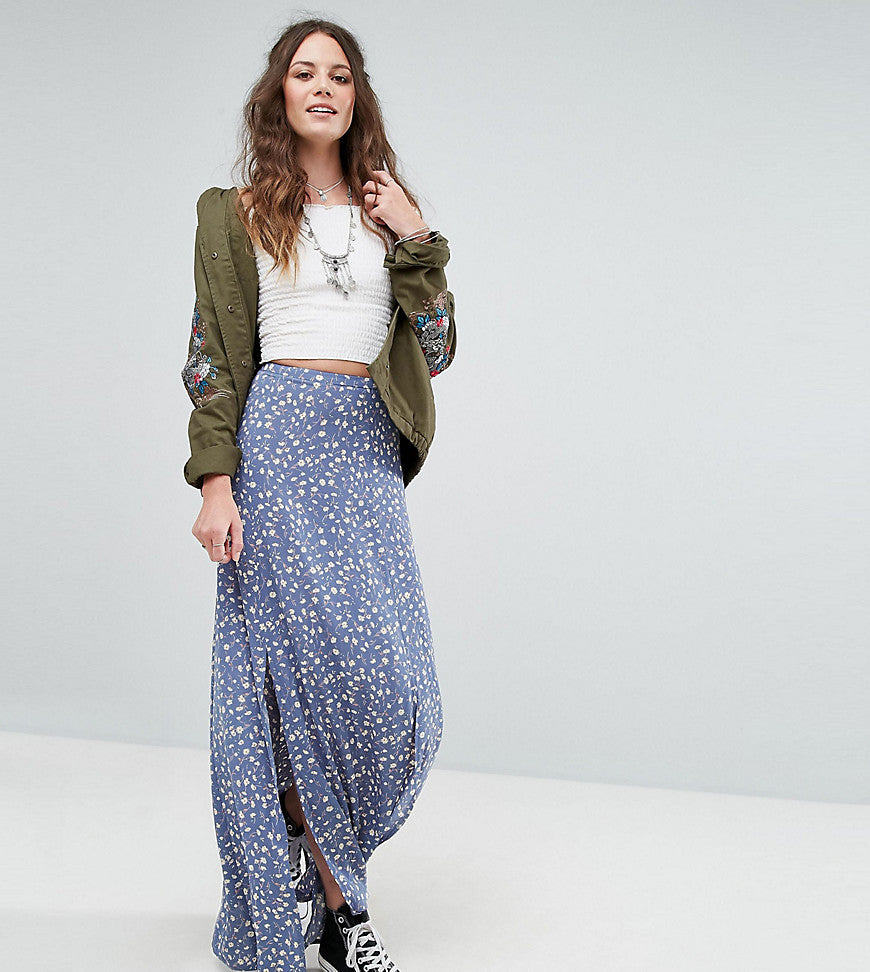 Glamorous Tall Split Front Maxi Skirt In Floral Print - Blue