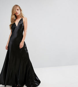 Fame and Partners Premium Metallic Gown with Fishtail - Black shimmer