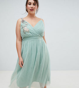 Little Mistress Plus Floral Applique Midi Dress - Sage green