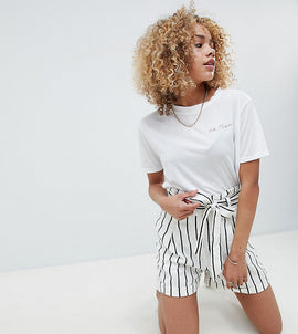 ASOS DESIGN Petite tailored linen casual short with tie waist in stripe - Stripe