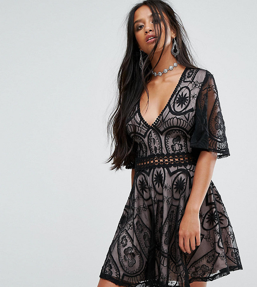 Sisters Of The Tribe Petite Tea Dress In Lace With Ladder Detail - Black