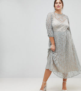 Little Mistress Plus All Over Lace Maxi Dress With Balloon Sleeve Detail - Waterlily