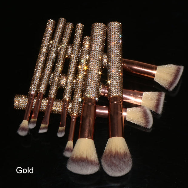 What it is: A set of 10 brushes curated to include all the essentials to create a complete makeup look. What it does: This brush set includes all the essential brushes you need to complete your makeup look—from your everyday eye look to the latest trends in highlighting and contouring. These high quality brushes are designed for ease of application with gold diamond accent soft touch handles. They're stored in a rose gold brush case that can be packed away for easy travel.