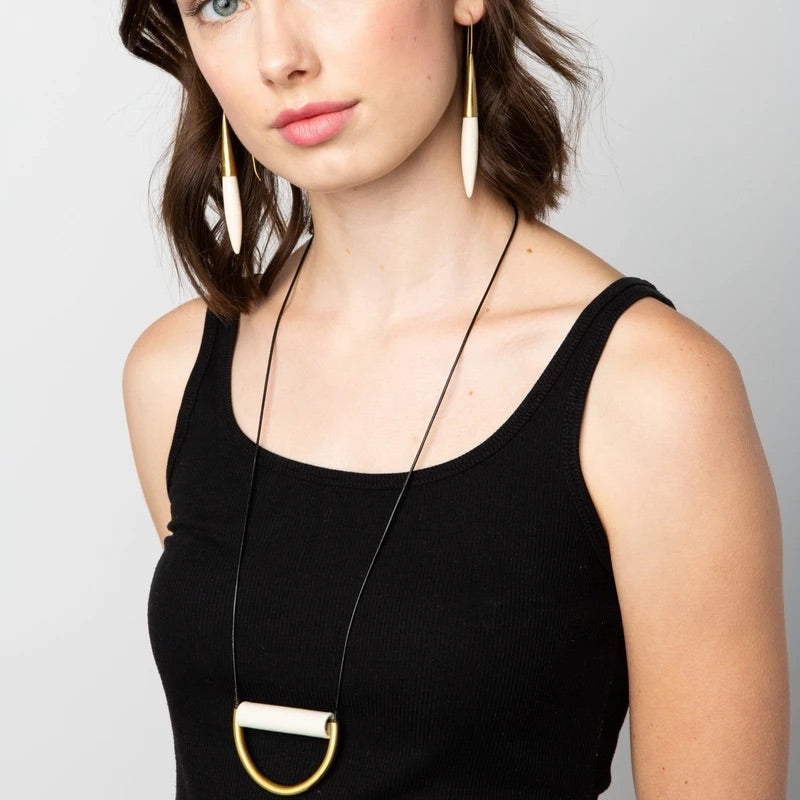 Sora Necklace - black or ivory
