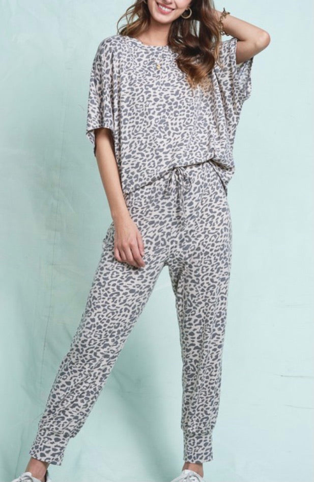 Oh So Comfy Leopard Lounge Set