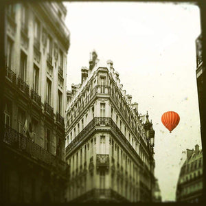 The Red Balloon | Paris, France-Tracey Capone Photography