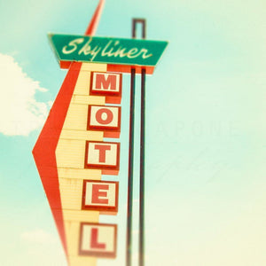 The Skyliner | Route 66 Motel Sign-Tracey Capone Photography