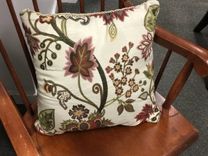 Biltmore pillow, excellent