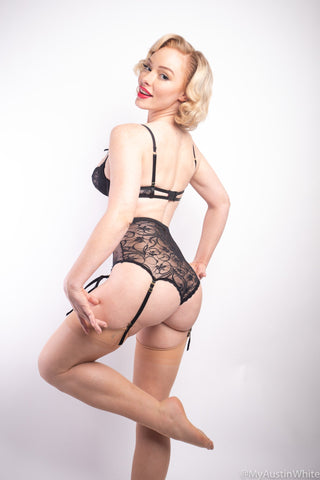 Another PinUp Day - 45 HD Picture Set - Austin White - Austin-White.com