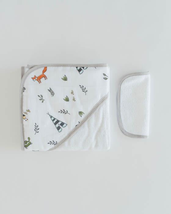 Little Unicorn Hooded Towel and Washcloth Set in Forest Friends