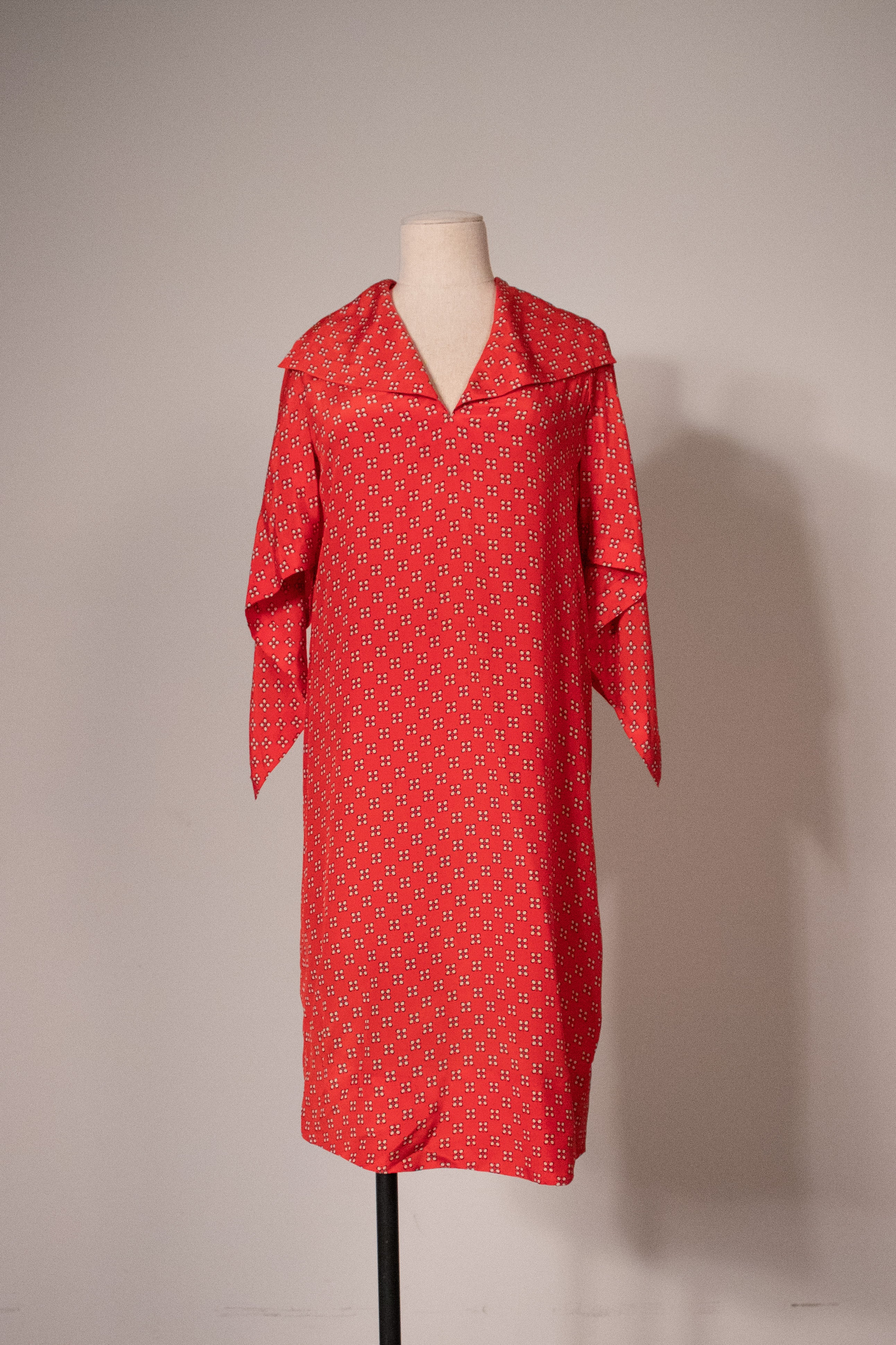 Givenchy Nouvelle Boutique red printed silk smock dress with kerchief details
