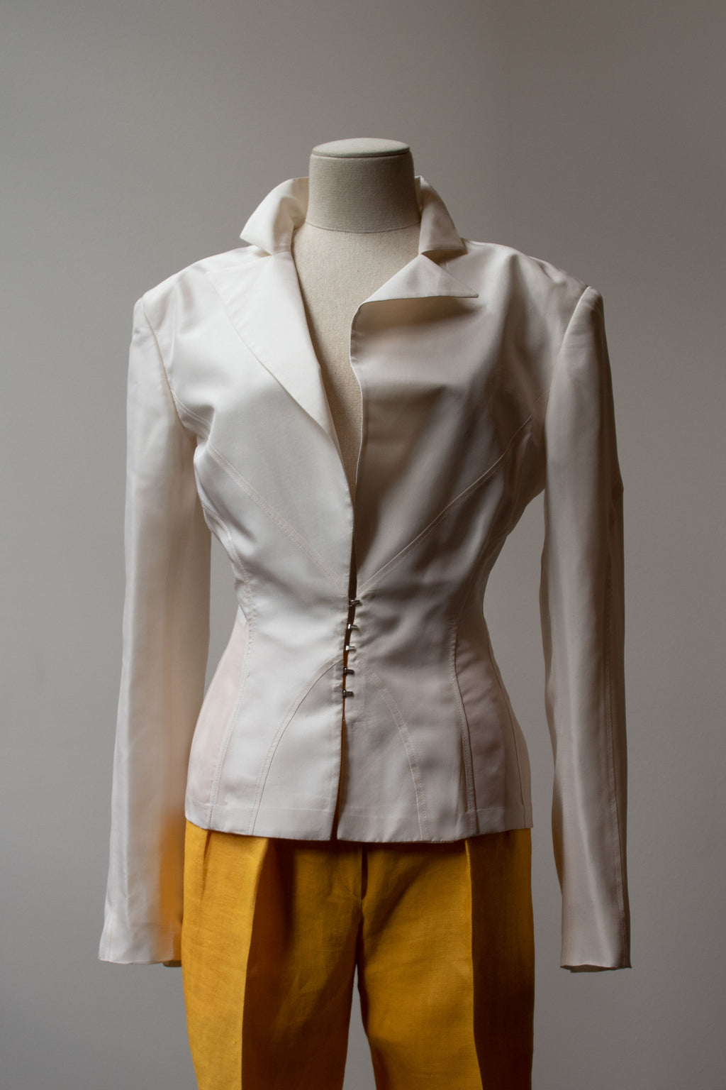 Gucci by Tom Ford white silk blazer