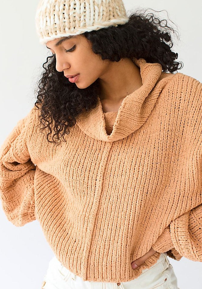 BE YOURS CAMEL PULLOVER