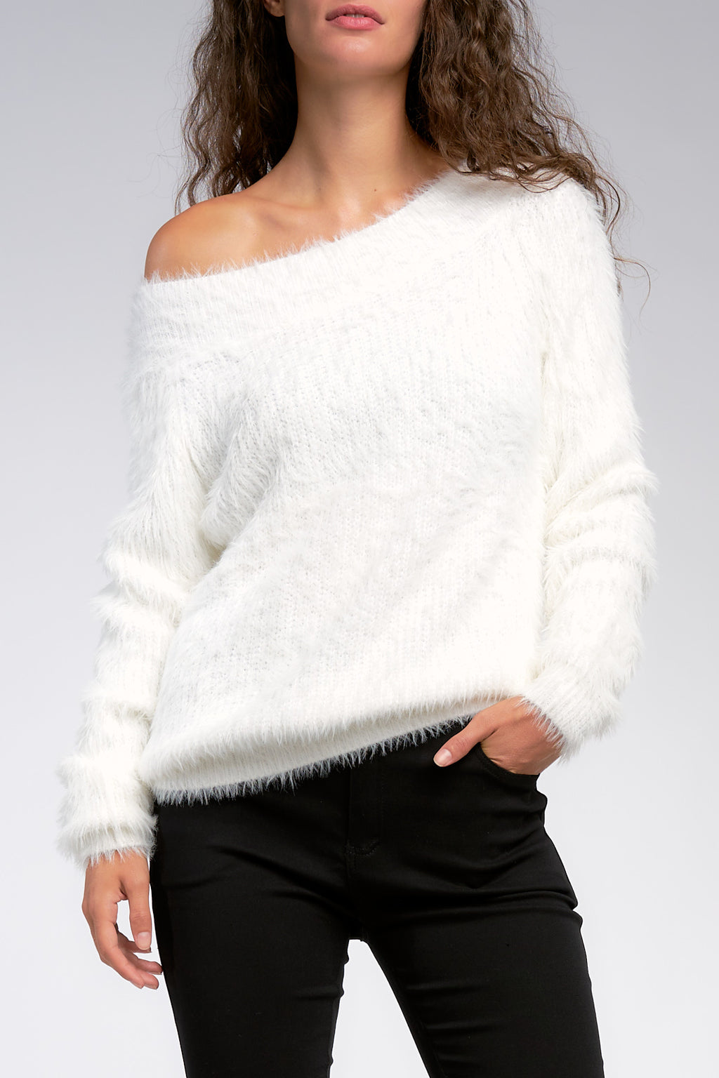 WHITE OFF SHOULDER SWEATER