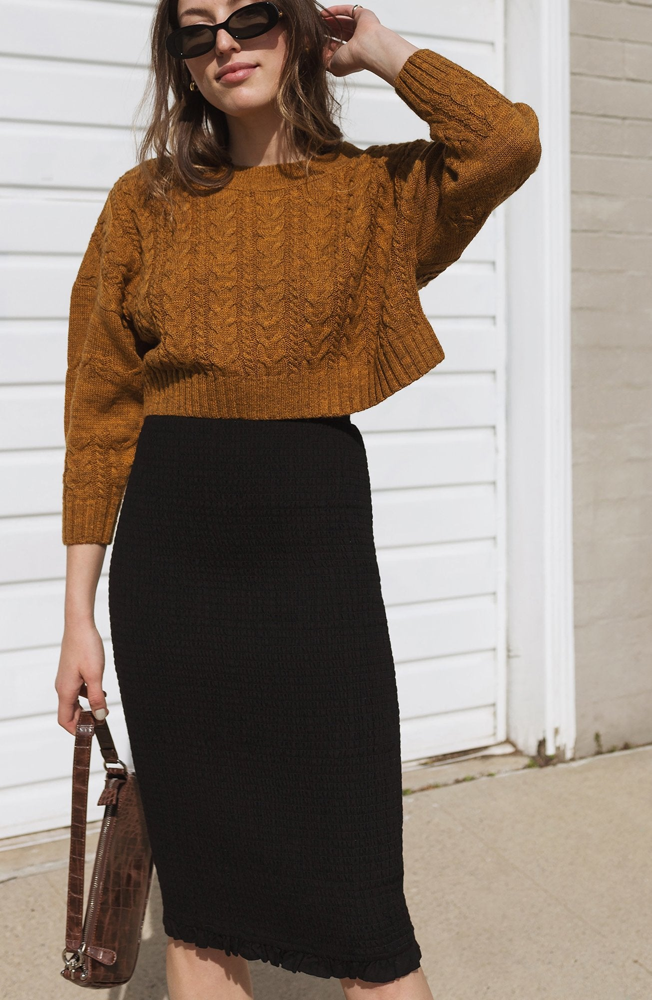 CROP CABLE KNIT SWEATER