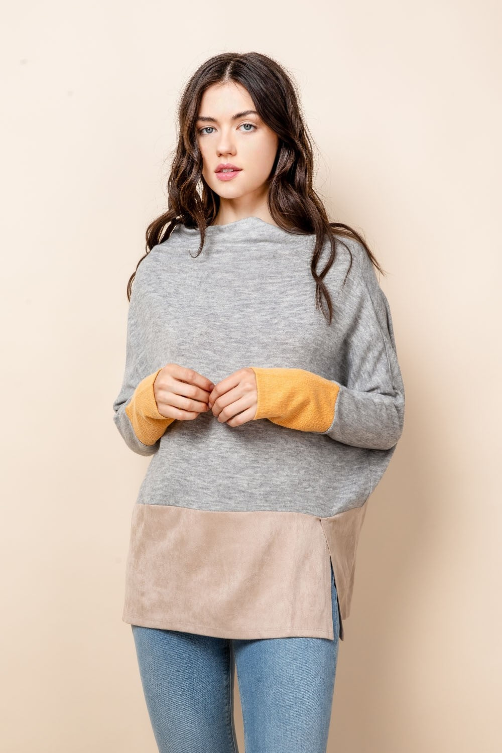 GRY KNIT SUEDE DETAIL