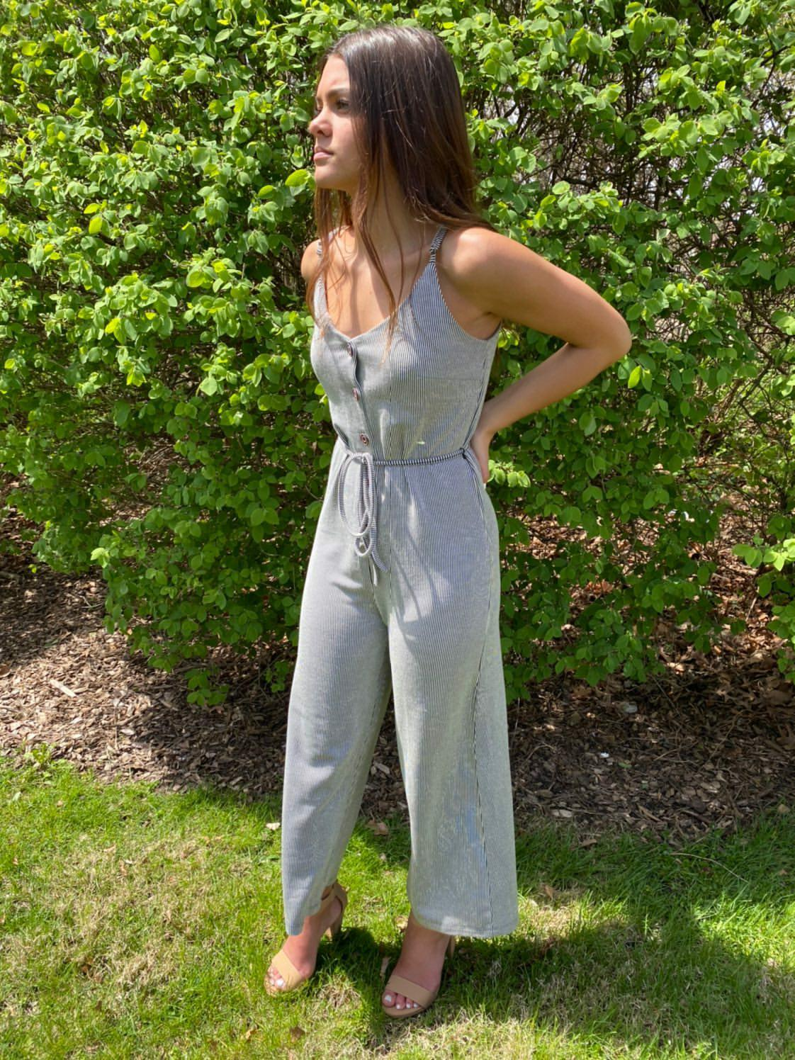 BLACK/WHITE CROPPED JUMPSUIT