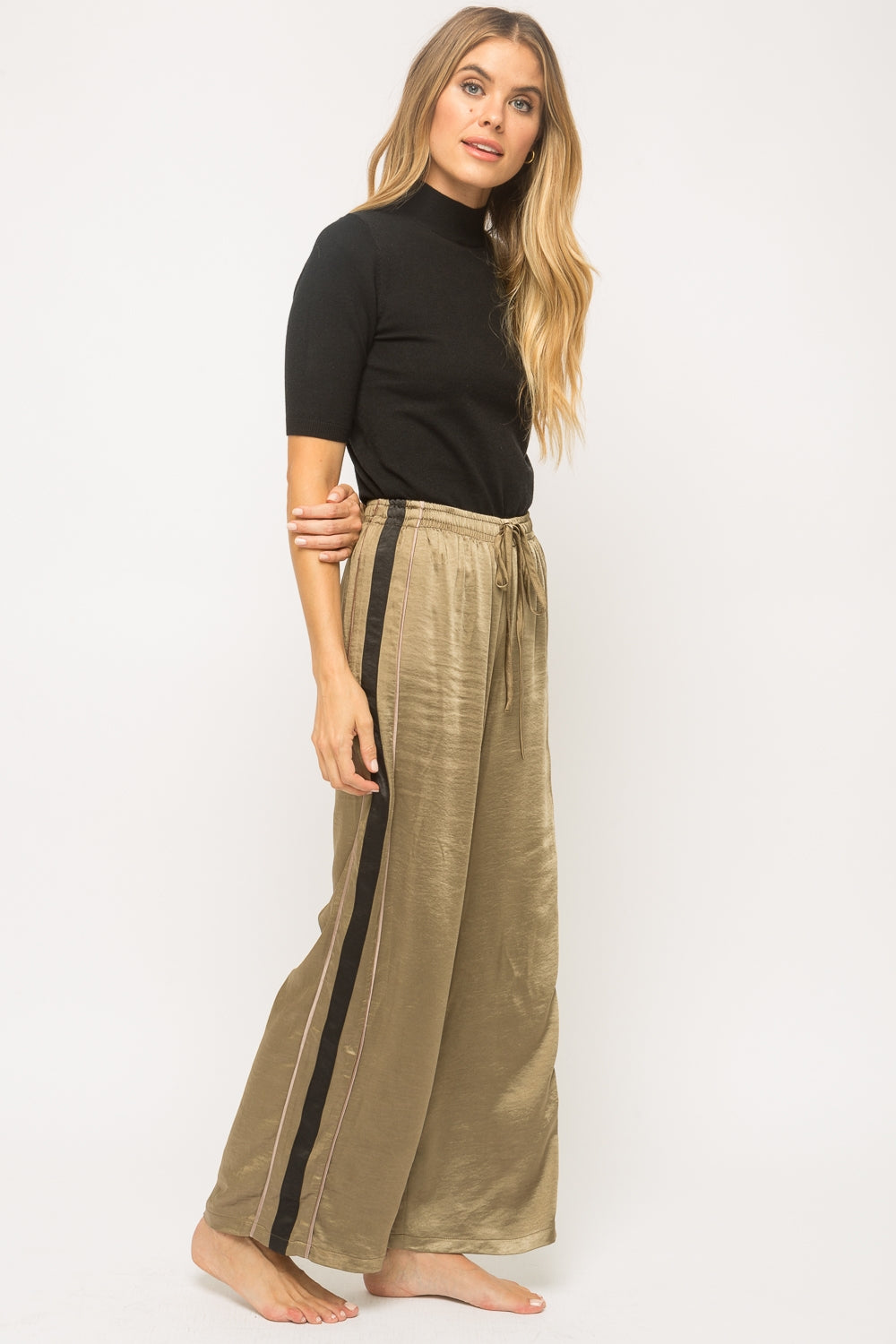 SIDE STRIPE OLIVE PANT