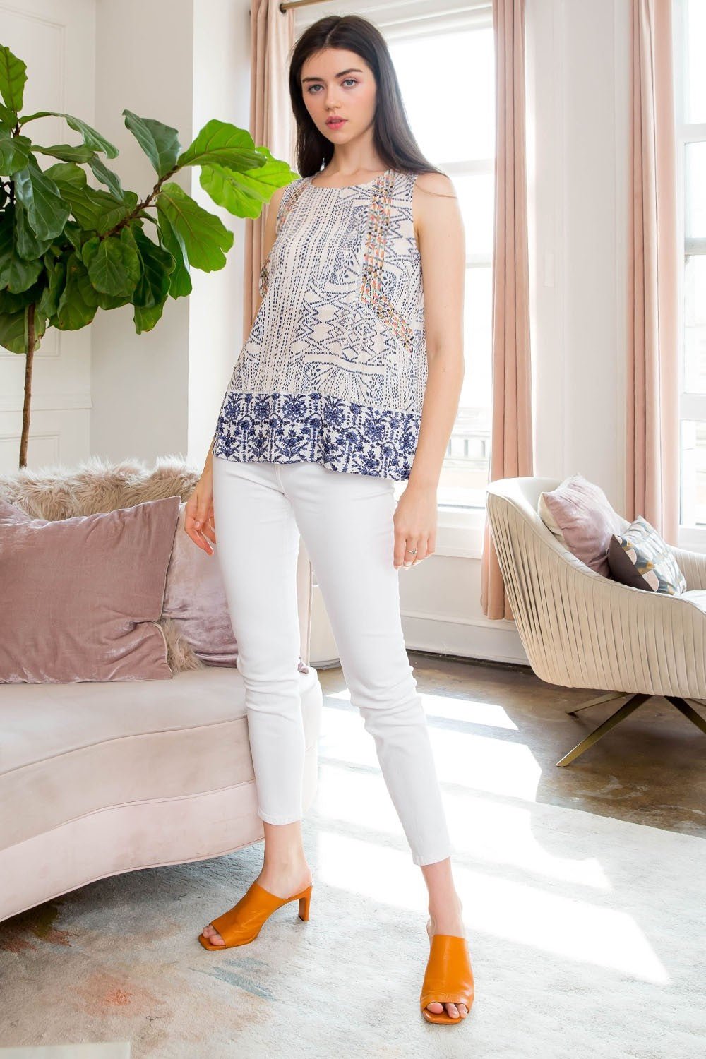 BLUE WHITE PRINTED TOP