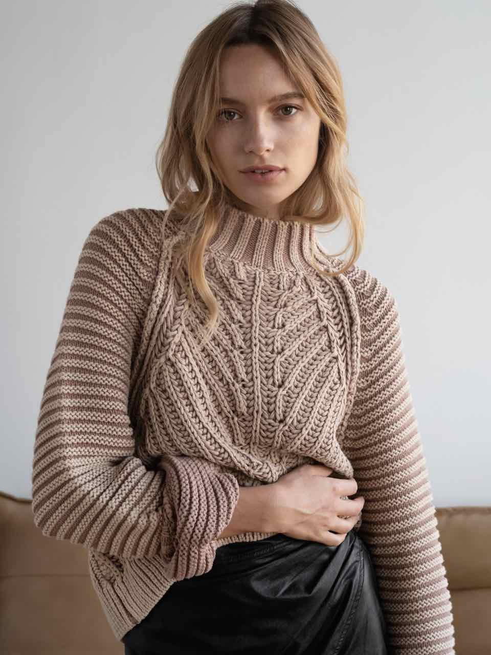 SWEETHEART SWEATER-SAND