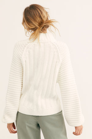 SWEETHEART SWEATER-WHITE