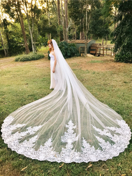 ELIZABETH | Royal 4m Appliqued Veil - The Luxe Bride Co