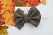 Large Julia Messy Bow Style Bow || Taupe
