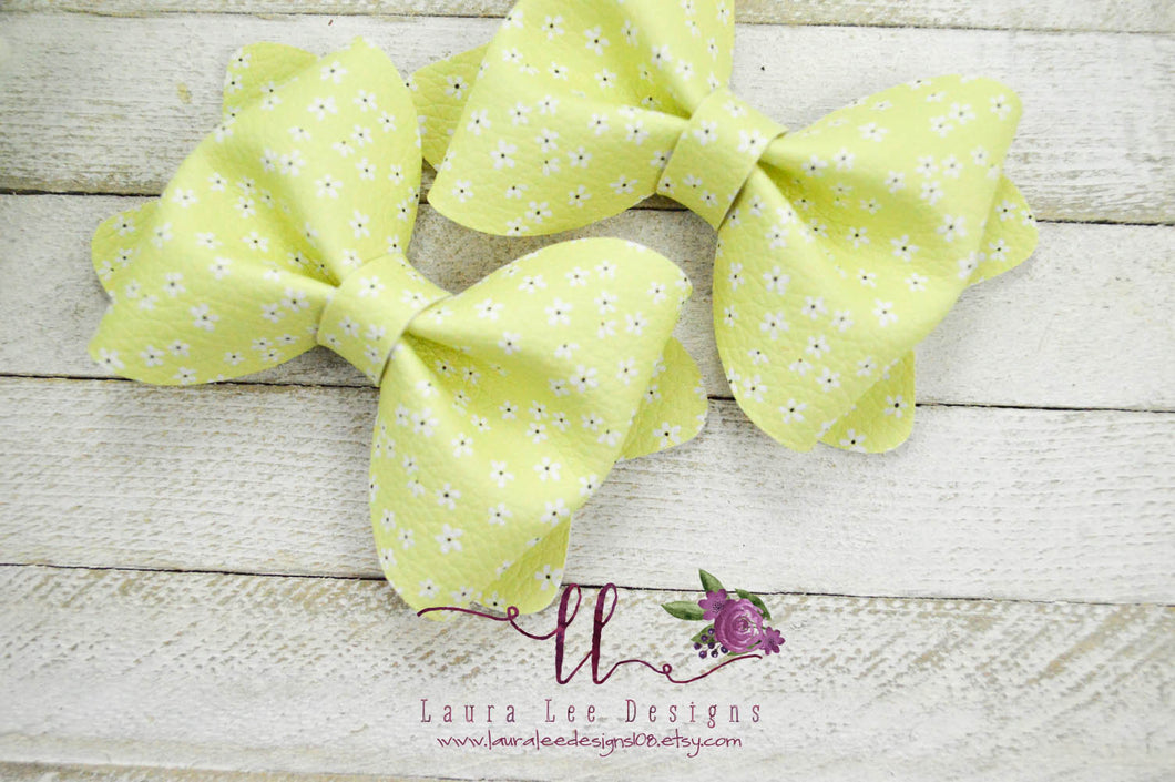 Large Julia Messy Bow Style Bow || Camo