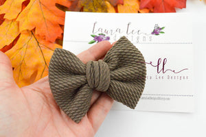 Small Julia Messy Bow Style Bow || Taupe