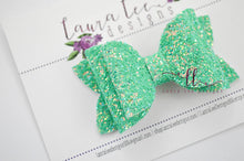 Stacked Izzy Style Bow || Shamrock Green Glitter
