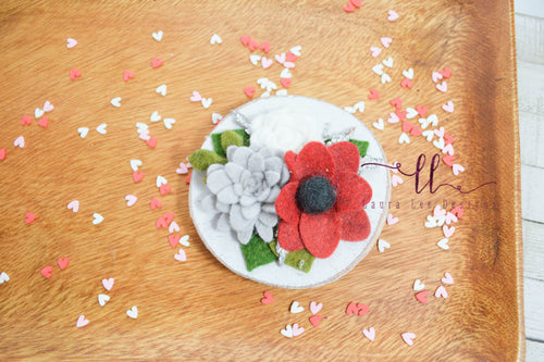 Felt Flower and Wood Round Magnet