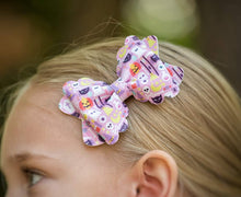 Scalloped Margo Style Bow || Girly Halloween