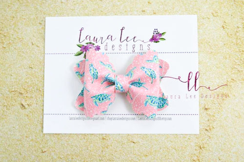 Scalloped Margo Style Bow || Sea Turtles