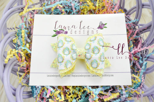 Fancy Molly Bow Style || Bunnies and Eggs