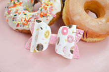 Stacked Izzy Style Bow || Donuts