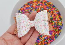 Medium Stacked Sabrina Style Bow || Glitter Sprinkles