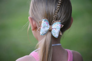 Fancy Molly Bow Style || By The Shore