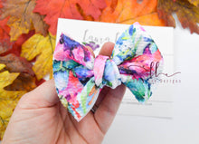 Small Julia Messy Bow Style Bow || Kennedy Floral