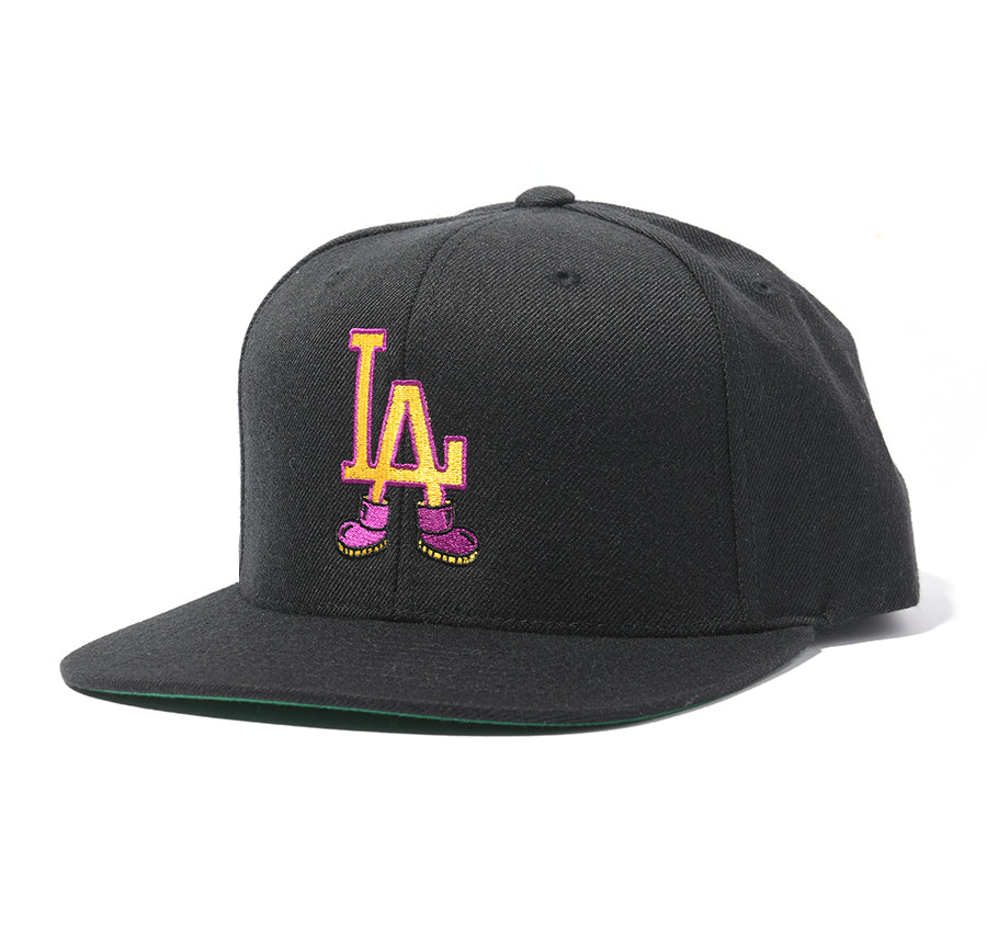 Throwback LA 5-Panel Snapback (Black)