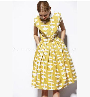 1960s Geometric Print Vintage Dress in Peter Pan Collar
