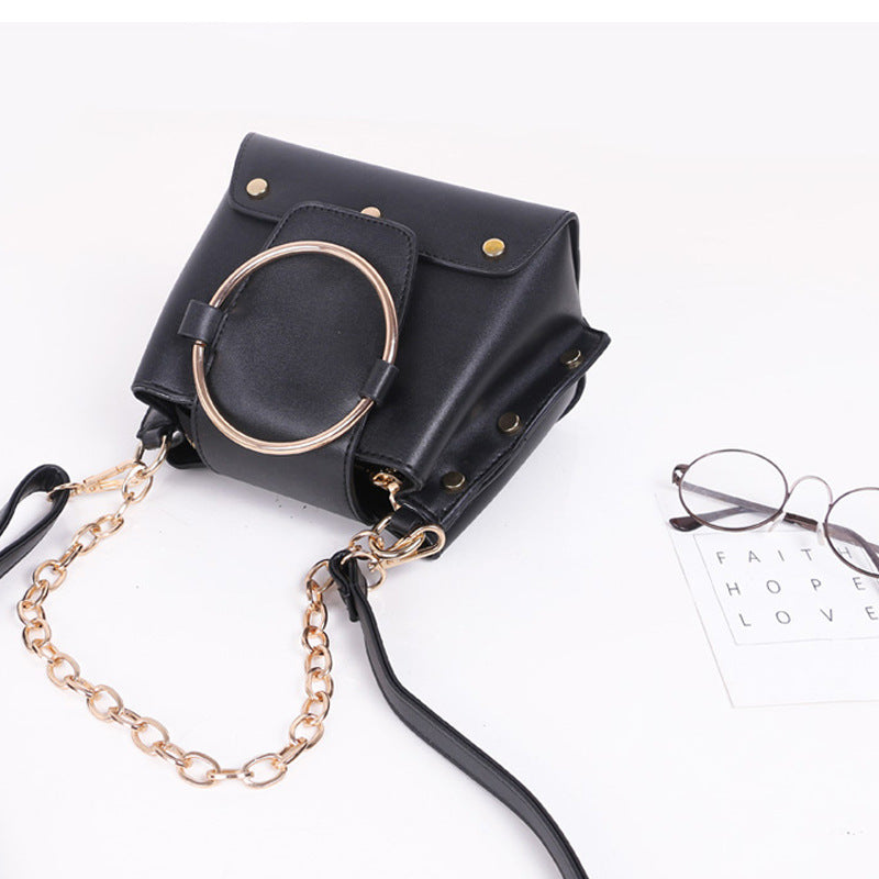 DIINOVIVO Luxury Metal Ring Women Handbag Rock Style Rivet Shoulder Bag Ladies' Punk Chains Messenger Bags Casual Totes WHDV0189
