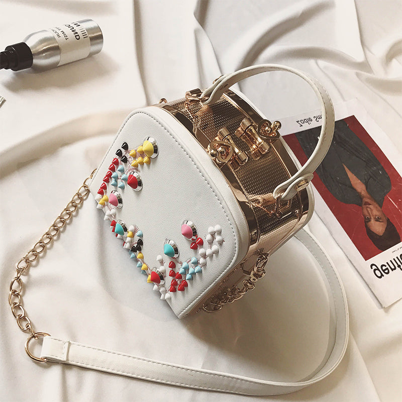 Hot Sale Punk Wind Rivets Small Bag White Handbag Women Summer Mini Bag Chain Colourful Rivet Cool Messenger Bags Shoulder totes