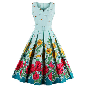 806cda613f0a 1950s Vintage Summer Dress in Floral Bee Print