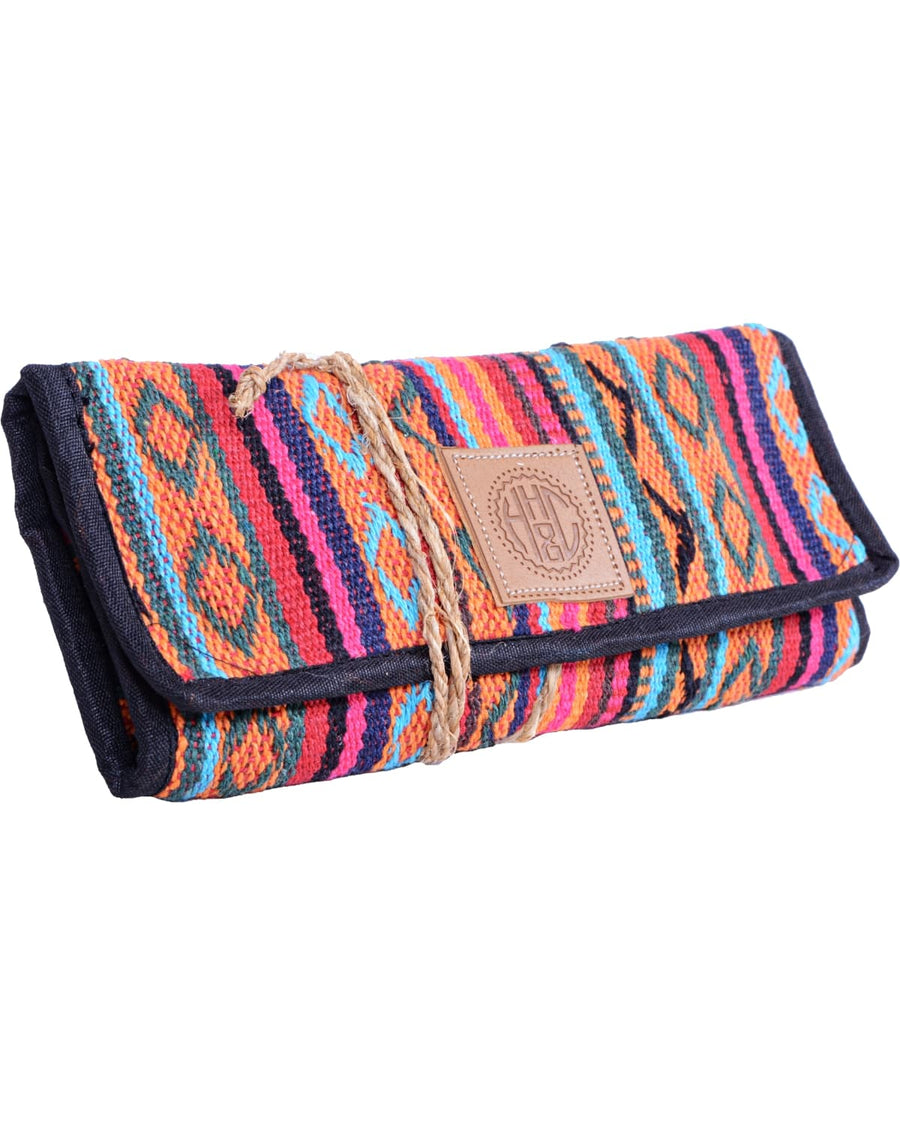 left side of the candy cane tobacco case. Colorful hemp and coton accessories, this product is hand made and eco-friendly