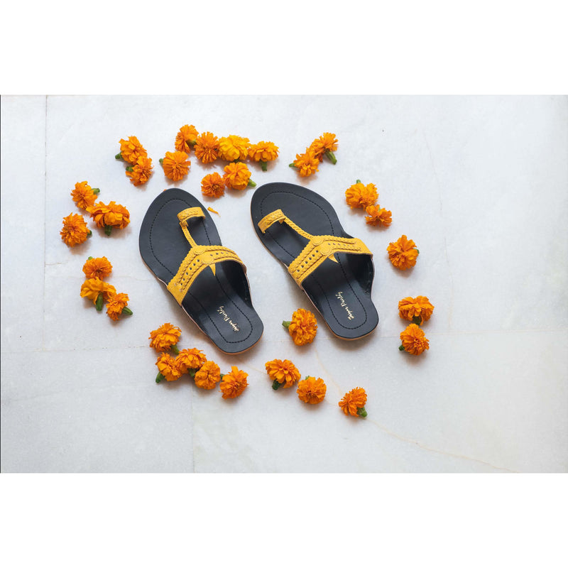 Black & Yellow Handcrafted Two-Tone Kolhapuris