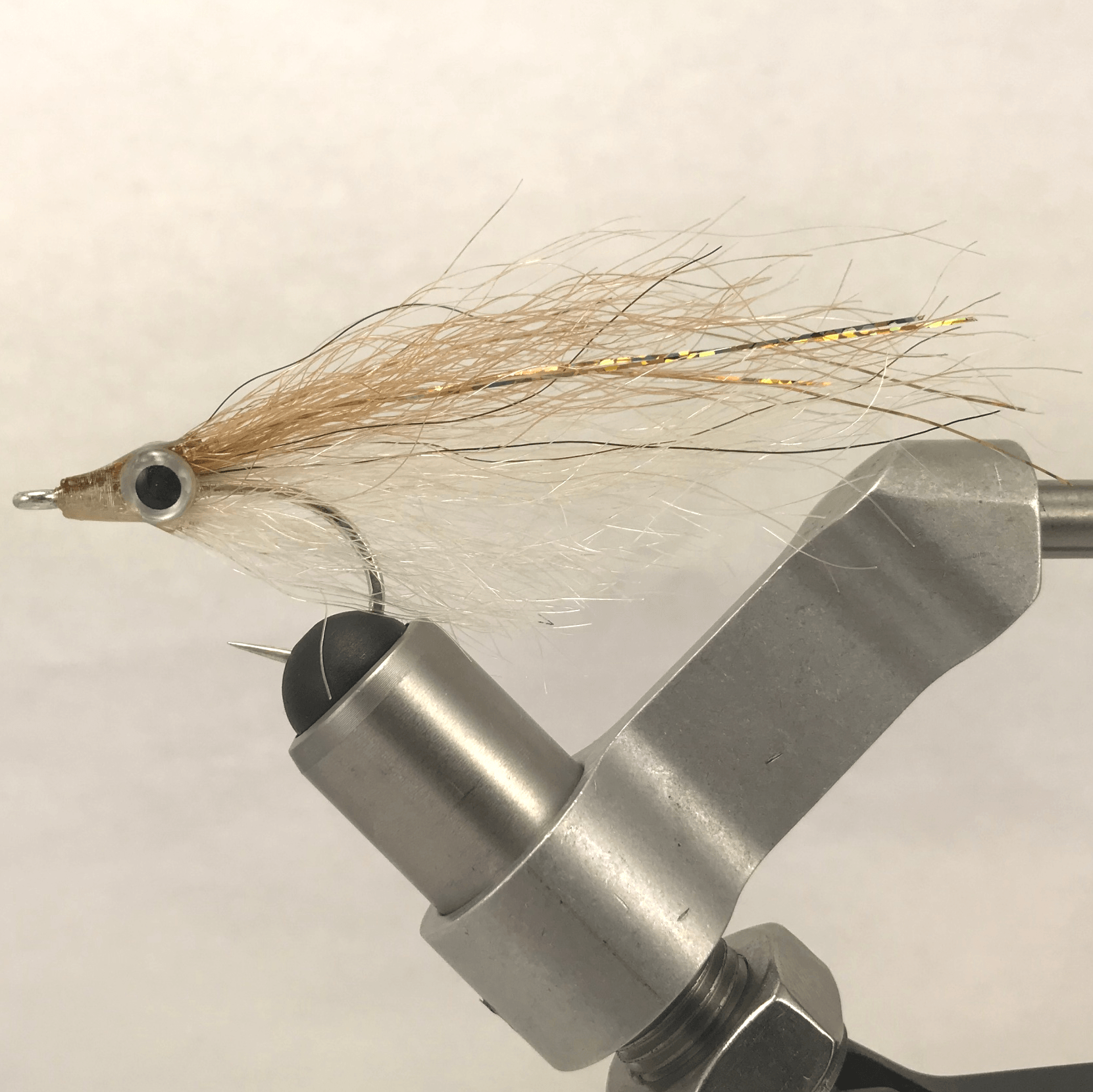Mud Dog Flies Yak Minnow 1/0