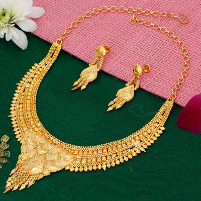 Sukkhi Modern Alloy Gold plated Necklace Set for Women